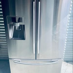 Samsung French 3 Door Stainless Steel Counter Depth Refrigerator-PRICE IS FIRM for Sale in Lilburn, GA