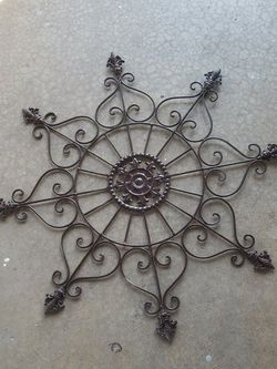 Wall Decor 2 Ft. Diameter , Metal Color Brown for Sale in Henderson,  NV