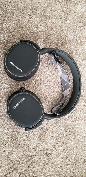 Steelseries Arctis 3 (Console Edition - Wired Headphones) for Sale in Las Vegas, NV