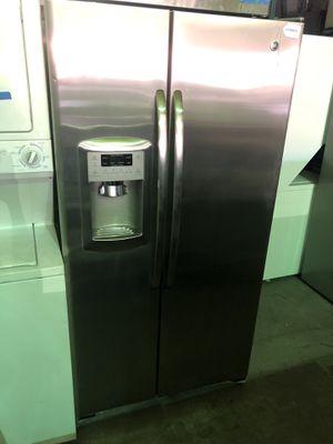 GE Stainless steel fridge for Sale in Las Vegas, NV