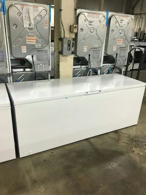 Chest Freezer (25 Cu Ft) for Sale in St. Louis, MO