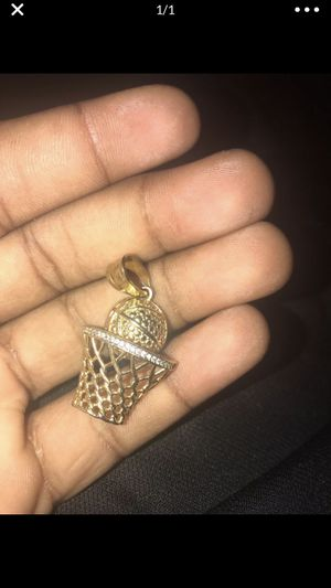 Chain Pendant for Sale in Lakewood, WA