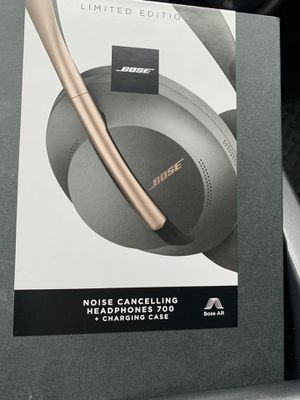 BOSE LIMITED EDITION for Sale in Oakland, CA