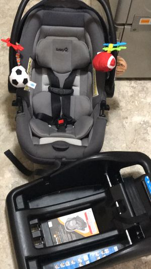 Car Seat for Sale in Saint Charles, MO