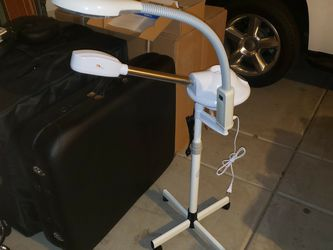 2 In 1 Facial Steamer And Maglamp for Sale in Phoenix,  AZ