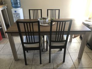 Like New Amazing Kitchen Table and 4 Chairs for Sale in San Diego, CA