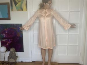 Vintage nightie/robe, one size super cute for Sale in West Hollywood, CA
