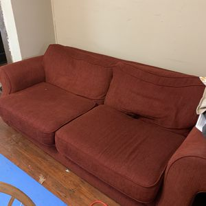 VERY GOOD CONDITION COUCH for Sale in Philadelphia, PA