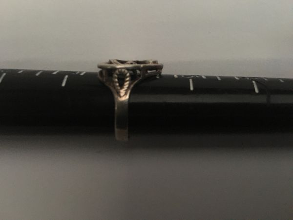 Women's Ring G on center Sterling silver 925 stamped size 6