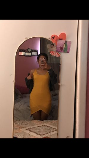 Dress yellow for Sale in South Houston, TX