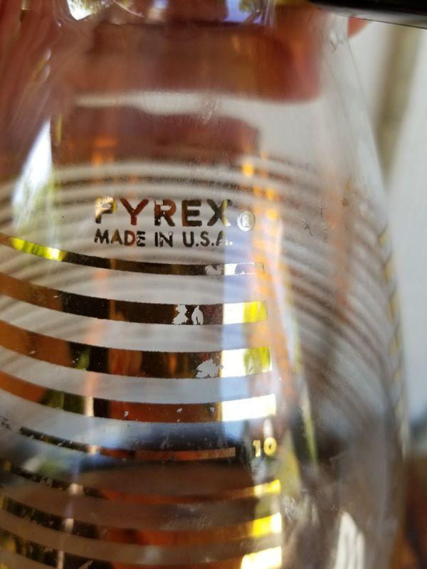 Vintage Pyrex Carafe w/ Metal Stand