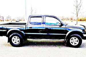 ֆ14OO 4WD Toyota Tacoma 4WD for Sale in Oklahoma City, OK