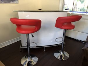 Contemporary Bar with Leather Bar Stools for Sale in Oldsmar, FL