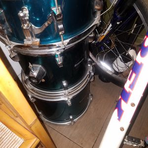 5 Piece Ludwig accent Drum Set With Stands for Sale in Huntington Beach, CA