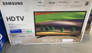 """Samsung tv 32"""" for Sale in Los Angeles, CA"""