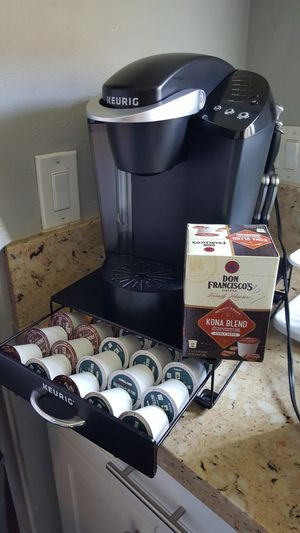 Keurig Coffe Maker and Keurig coffee cup drawer for Sale in Costa Mesa, CA