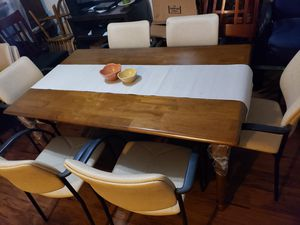 1 wooden dining table with 6 chairs. 1 comedor de madera con 6 sillas. for Sale in Houston, TX