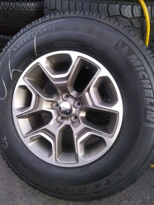 Jeep Patriot/Cherokee Wheels and Tires 17 for Sale in Spring Valley, CA