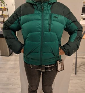 Outdoor research 650+ fill down jacket , green women xs for Sale in Costa Mesa, CA