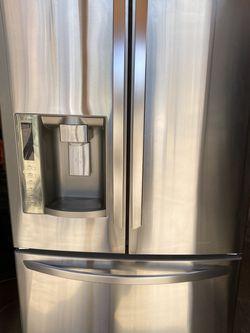 Stainless Steel Lg french door fridge for Sale in Phoenix,  AZ