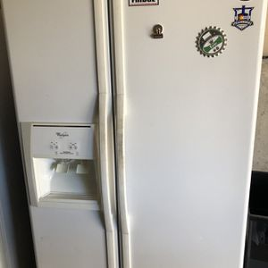 Whirlpool Side-by-side refrigerator for Sale in Evergreen, CO