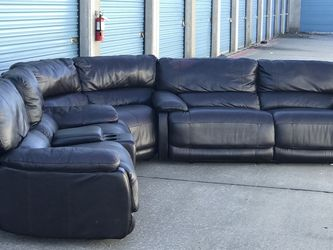 Cindy Crawford Black Leather Reclining Sectional - FREE DELIVERY 🚚 for Sale in Dallas,  TX