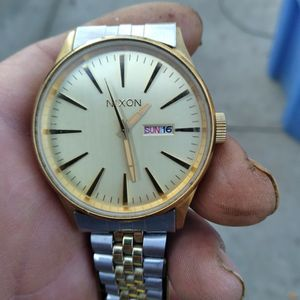 reloj Nixon $50 for Sale in Turlock, CA