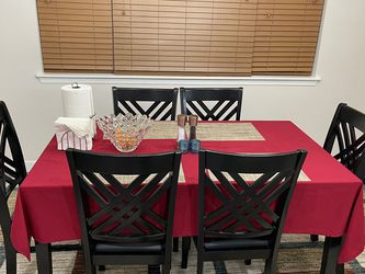 Dining Table & Chairs for Sale in Bothell,  WA