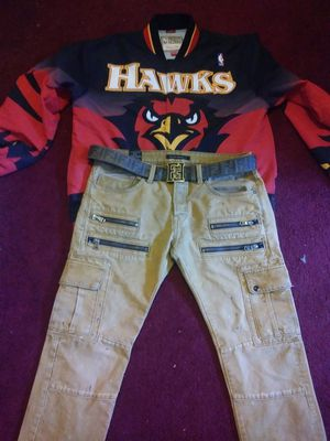 Mitchell and ness atlanta hawks jacket for Sale in Detroit, MI