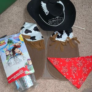 Little kids toy story costume with decor for Sale in Jamestown, NM
