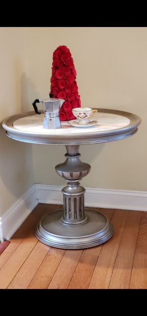 Marble top accent table for Sale in Nutley, NJ