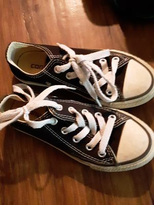 Size 11 little boys converse for Sale in Hiram, OH