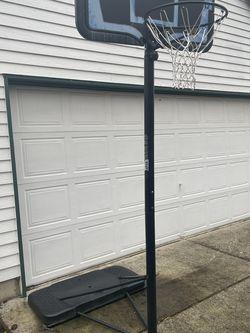 Lifetime Adjustable Basketball Hoop for Sale in Vancouver,  WA
