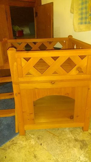 Puppy dog house... Inside or out Perfect condition.. top can be taken right off.... Soo cute for Sale in Decatur, AL