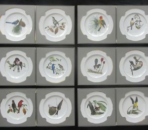 Perfect condition, Never out of boxes, Complete set, 12 Spode Ray Harm American Songbird Plates, Limited Edition & in original Boxes with certificat for Sale in Belle Isle, FL