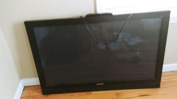 "Samsung 52"" TV"