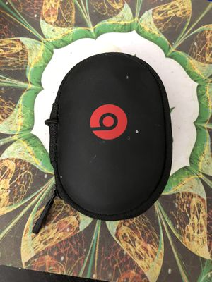Power beats wireless headphones with case for Sale in Las Vegas, NV