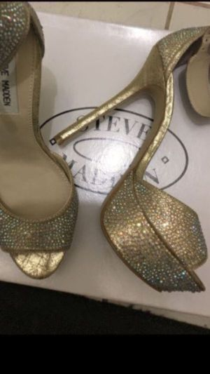 NEW size 8 STEVE MADDEN Crystal heels Gorgeous!!! Price is LOW please do not low ball Item location is studio city, pick up only for Sale in Los Angeles, CA