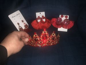 Tiara and earring for Sale in Central Falls, RI