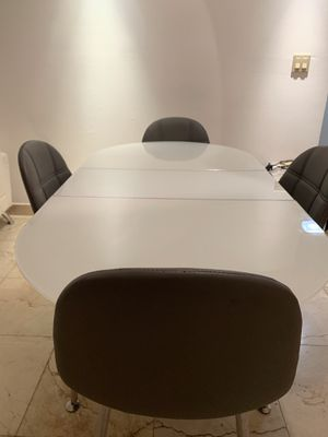 Dinning table for Sale in North Miami, FL