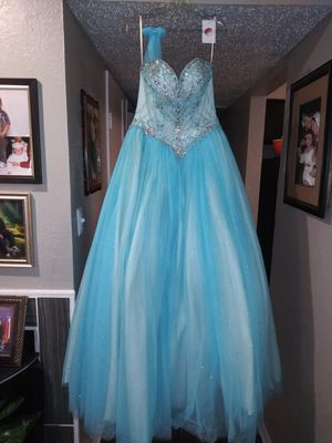 Quinceanera set dress for Sale in Arlington, TX