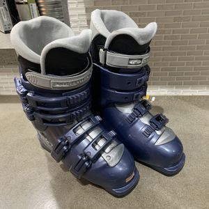 Solomon Women's Ski Boots And Duffle Bag for Sale in Phoenix, AZ