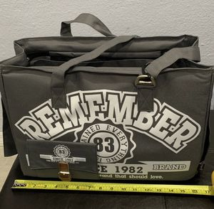 """Brand new. Pet carrier. Extra pockets. 6""""x16""""12"""" for Sale in Miami, FL"""