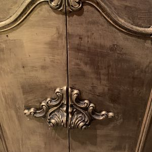 Nice antique cabinets for Sale in Warren, MI