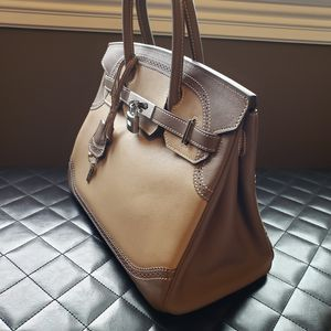 Hermes Birkin silver hardware 35cm Bag Handbag for Sale in Framingham, MA