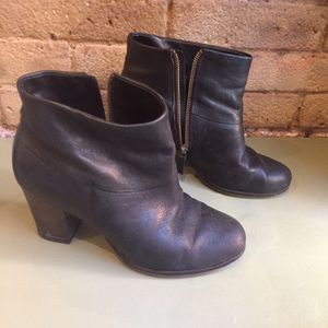Cole Haan boots size 7B (Tribeca Manhattan) for Sale in New York, NY