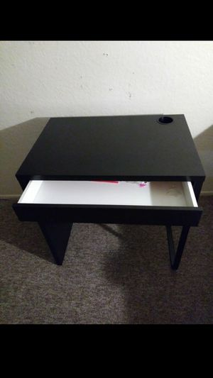 Kids desk for Sale in Garden Grove, CA