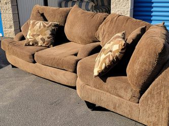 Couch/sectional. Free Delivery for Sale in Azusa,  CA