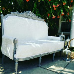 Antique loveseat silver /white for Sale in West Sacramento, CA