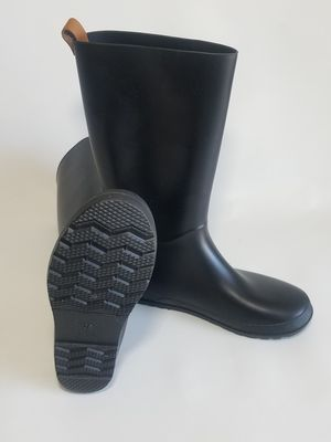 Black Women's Boots for Garden size 8 for Sale in Las Vegas, NV